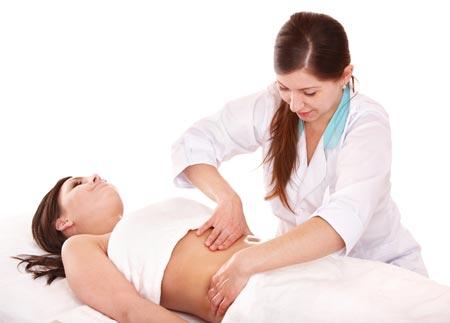 Вздутие живота при беременности на ранних сроках: причины, что делать